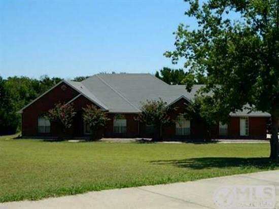 1034 Woodridge Road, Waxahachie, TX 75165 (MLS #13800927) :: Century 21 Judge Fite Company