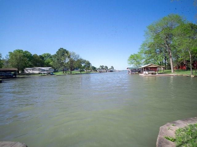 2300 Driftwood Drive, Tool, TX 75143 (MLS #13806321) :: Team Hodnett