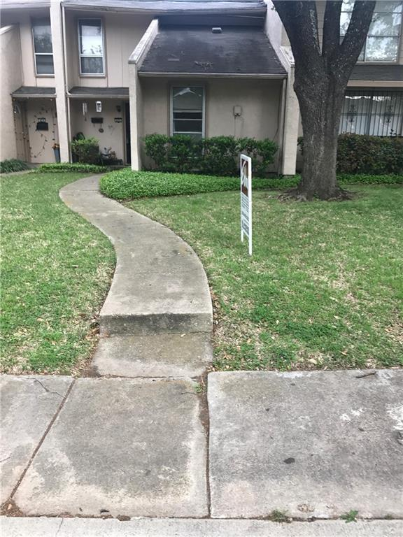 426 Arborview Drive, Garland, TX 75043 (MLS #13807701) :: Kindle Realty