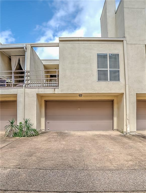 3906 Buena Vista Street 15A, Dallas, TX 75204 (MLS #13810588) :: Baldree Home Team