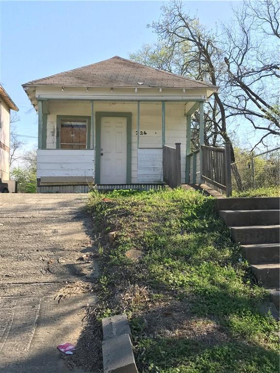 214 W Walker Street, Denison, TX 75020 (MLS #13820832) :: Team Tiller
