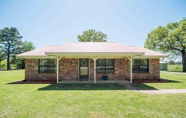 10221 Farm Road 38 N, Sumner, TX 75486 (MLS #13822066) :: Ebby Halliday Realtors