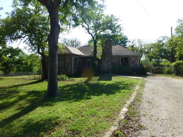 2300 SE 4th Avenue, Mineral Wells, TX 76067 (MLS #13823004) :: Ebby Halliday Realtors