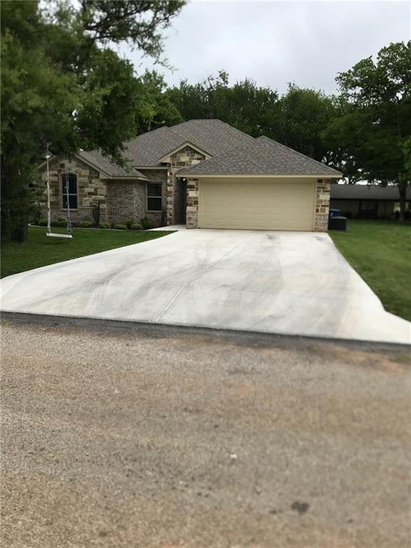 1510 Comanche Court, Granbury, TX 76048 (MLS #13824302) :: Potts Realty Group