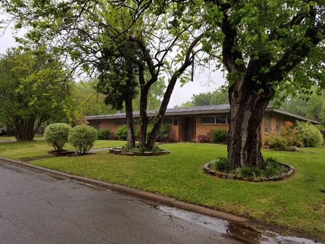 1210 Bois D Arc Street, Commerce, TX 75428 (MLS #13824751) :: Team Hodnett