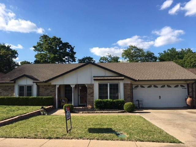 5607 Waterview Drive, Arlington, TX 76016 (MLS #13825728) :: The Chad Smith Team