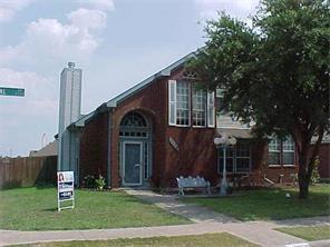 2000 Creek Royal Drive, Mesquite, TX 75181 (MLS #13842848) :: Century 21 Judge Fite Company