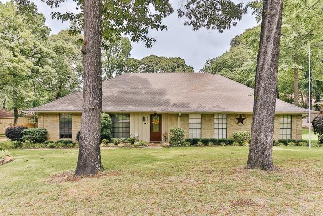 4602 Gretna Green Lane, Tyler, TX 75703 (MLS #13843773) :: Baldree Home Team