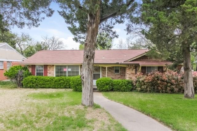 741 Oak Park Drive, Dallas, TX 75232 (MLS #13847165) :: Team Hodnett