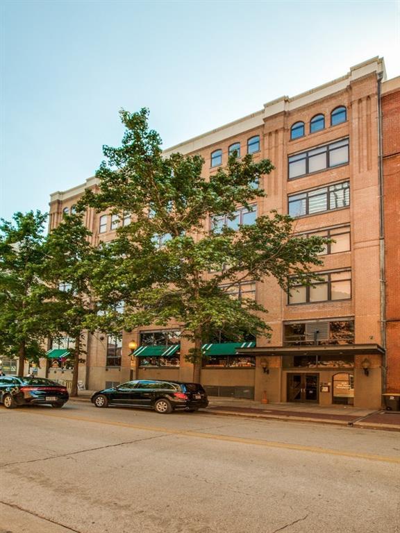 509 Elm Street #404, Dallas, TX 75202 (MLS #13847210) :: Team Tiller
