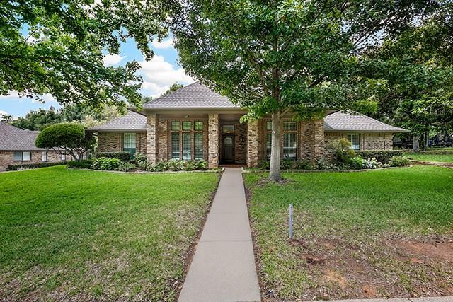 3709 Ashbury Lane, Bedford, TX 76021 (MLS #13851409) :: The Mitchell Group