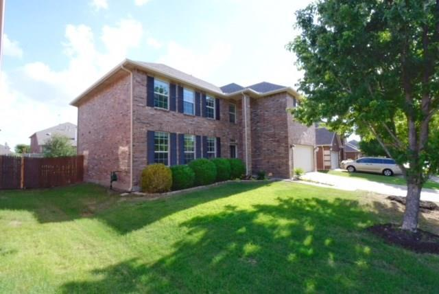 2744 Cameron Bay Drive, Lewisville, TX 75056 (MLS #13853558) :: Frankie Arthur Real Estate