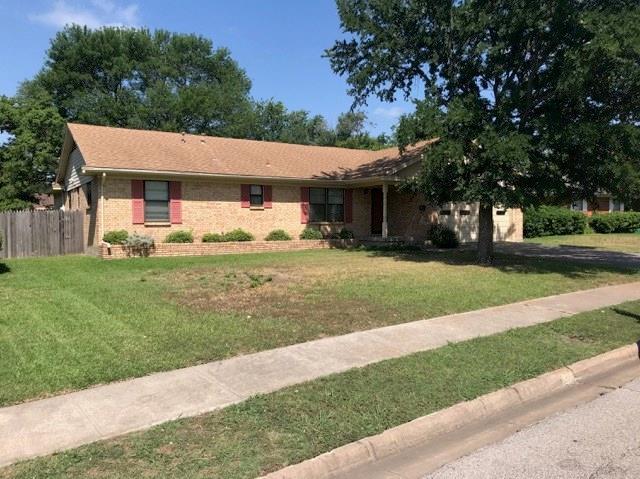 1704 Robin Drive, Sherman, TX 75092 (MLS #13856233) :: Team Hodnett