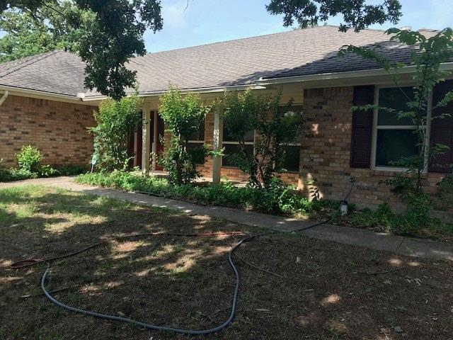 2518 Radcliffe Drive, Arlington, TX 76012 (MLS #13859876) :: RE/MAX Town & Country