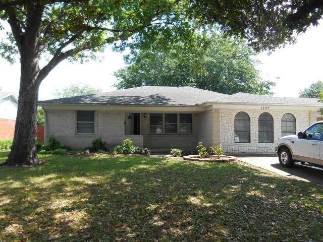 1207 Dearborn Drive, Richardson, TX 75080 (MLS #13861645) :: The Chad Smith Team