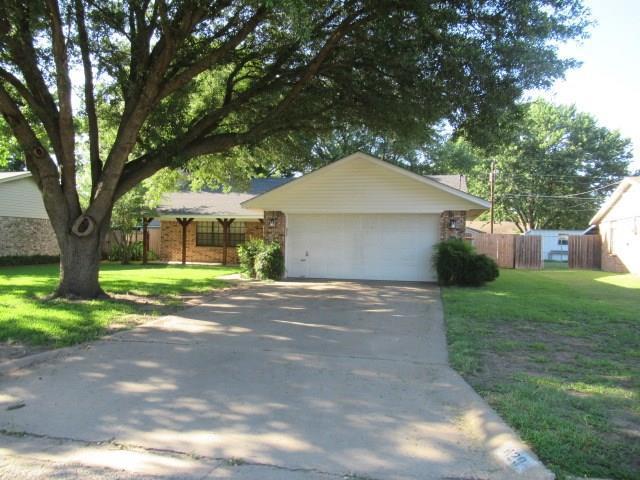 429 Martin Street, Bonham, TX 75418 (MLS #13867044) :: Baldree Home Team
