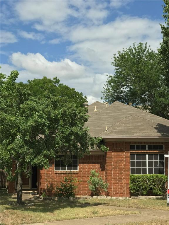 1742 Stafford Street, Cedar Hill, TX 75104 (MLS #13870226) :: The FIRE Group at Keller Williams