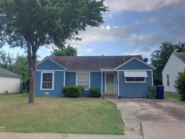 828 Woodland Drive, Garland, TX 75040 (MLS #13870265) :: North Texas Team | RE/MAX Advantage