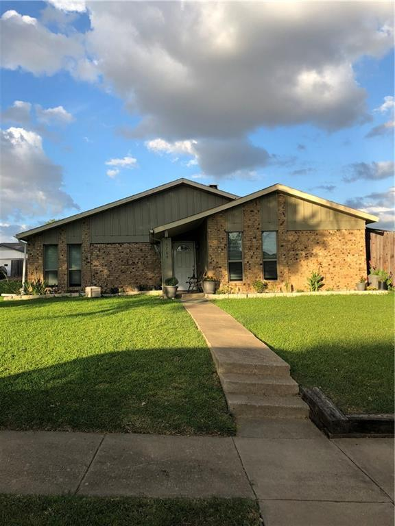 3704 Fairfield Drive, Carrollton, TX 75007 (MLS #13871361) :: Robbins Real Estate Group