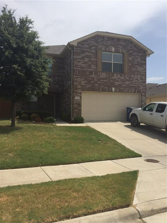 1901 Beach Drive, Dallas, TX 75051 (MLS #13881133) :: NewHomePrograms.com LLC