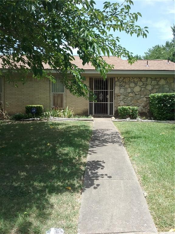 9601 Glengreen Drive, Dallas, TX 75217 (MLS #13881488) :: Magnolia Realty
