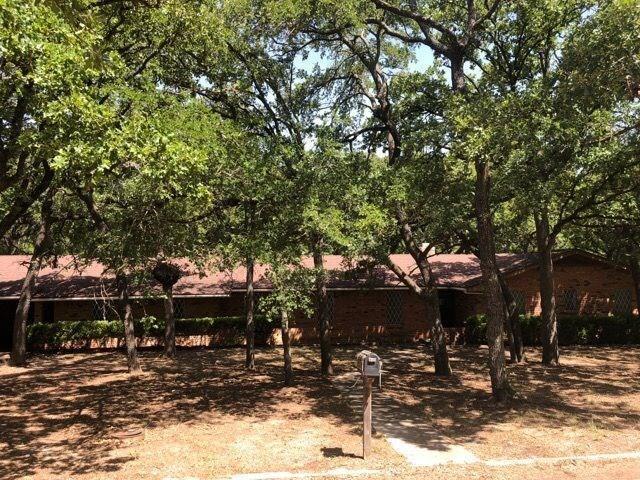 405 Navajo Trail B, Hamilton, TX 76531 (MLS #13886966) :: Team Hodnett