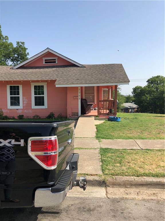1305 E Magnolia Avenue, Fort Worth, TX 76104 (MLS #13887377) :: Real Estate By Design