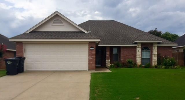 709 Hillcres, Cleburne, TX 76033 (MLS #13892374) :: Potts Realty Group
