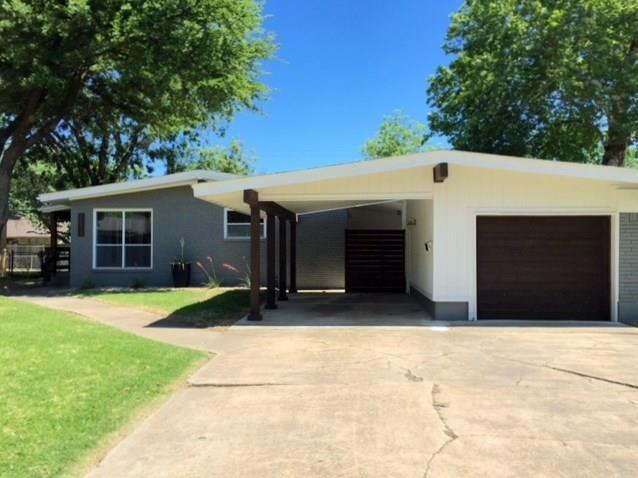 7212 Edgerton, Dallas, TX 75231 (MLS #13892816) :: Team Hodnett