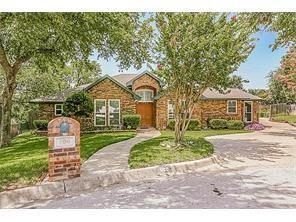 800 Shady Glen Court, Fort Worth, TX 76120 (MLS #13893798) :: RE/MAX Pinnacle Group REALTORS