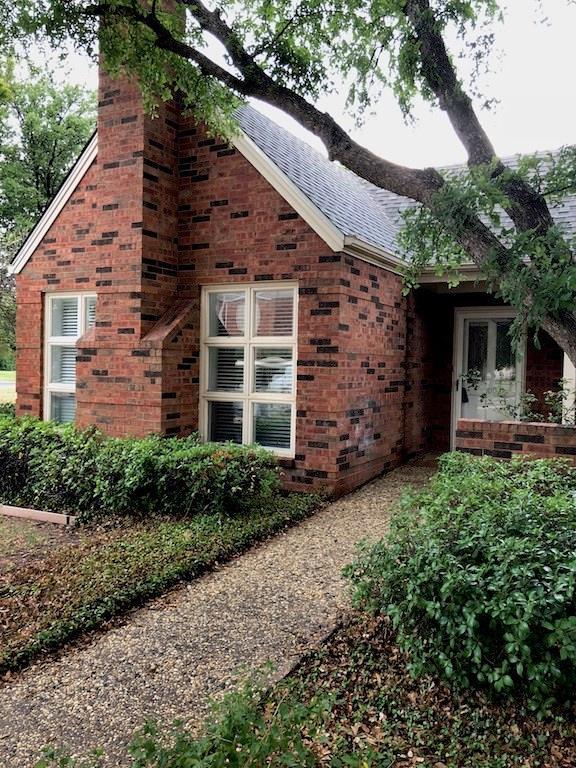 100 Mesa Spring Circle, Abilene, TX 79606 (MLS #13894342) :: The Tonya Harbin Team