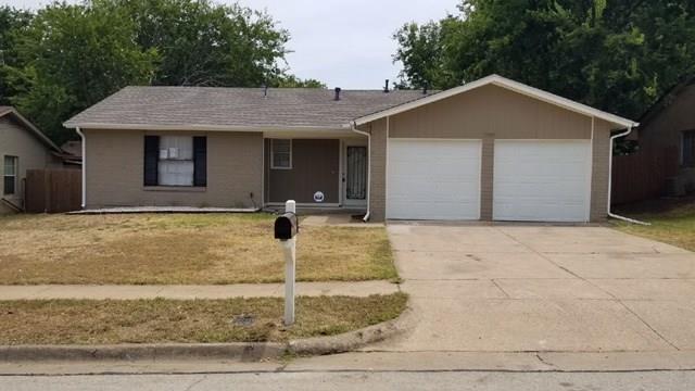 1002 Belemeade Street, Arlington, TX 76014 (MLS #13896792) :: The Holman Group