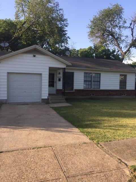 809 Crockett Street, Garland, TX 75040 (MLS #13896920) :: The Holman Group