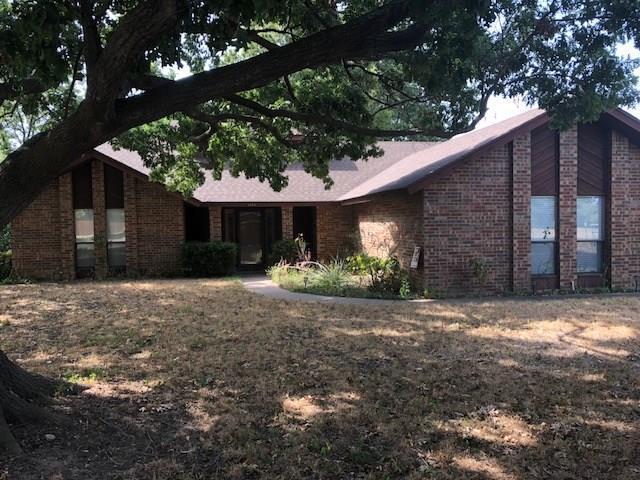 1415 W Lone Star Avenue, Cleburne, TX 76033 (MLS #13897338) :: Team Hodnett