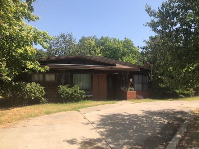 6427 Jerrell Street, North Richland Hills, TX 76180 (MLS #13898554) :: Team Hodnett