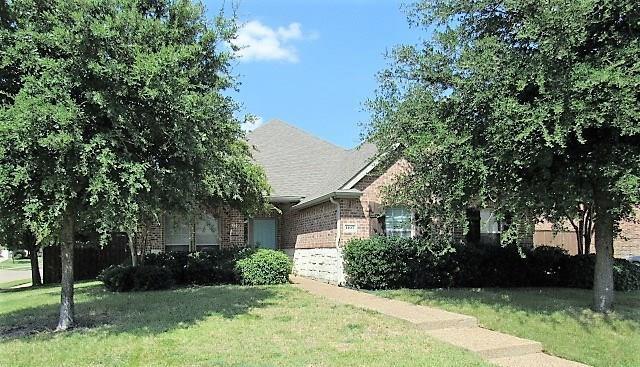 1107 Oak Ridge Road, Forney, TX 75126 (MLS #13898829) :: The Real Estate Station