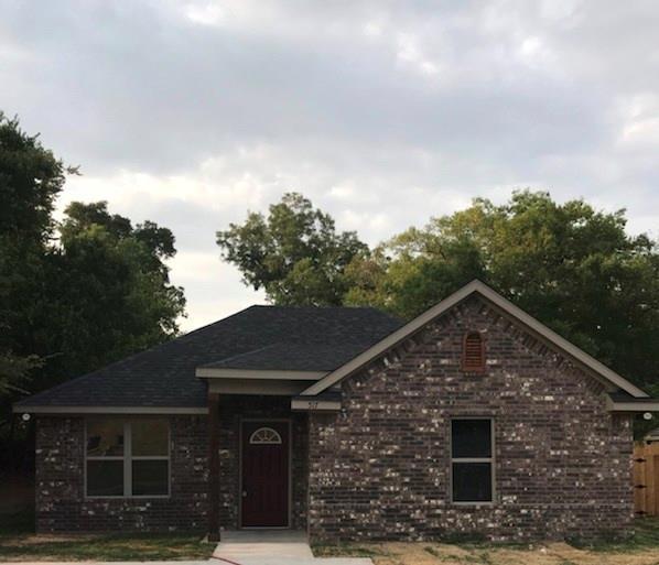 517 W Star Street, Denison, TX 75020 (MLS #13902050) :: Team Hodnett