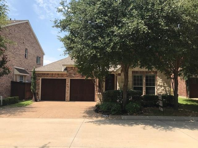 2624 Waters Edge Lane, Fort Worth, TX 76116 (MLS #13902178) :: The Real Estate Station