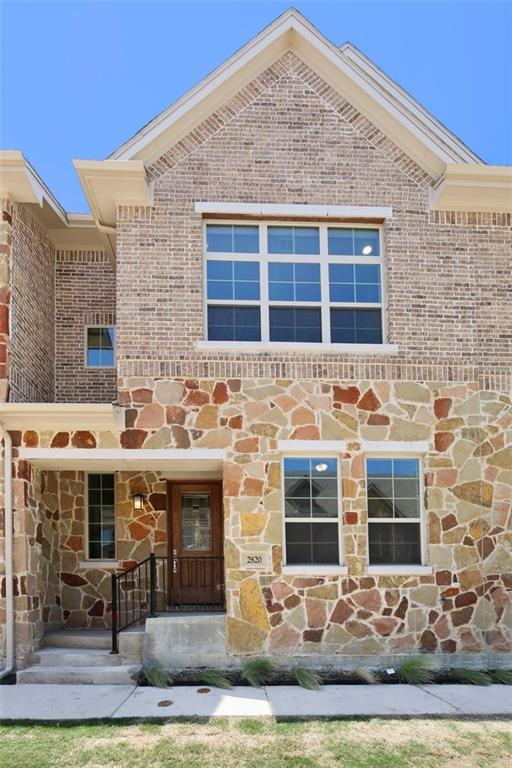 2813 Lindale, Carrollton, TX 75010 (MLS #13902352) :: Team Tiller