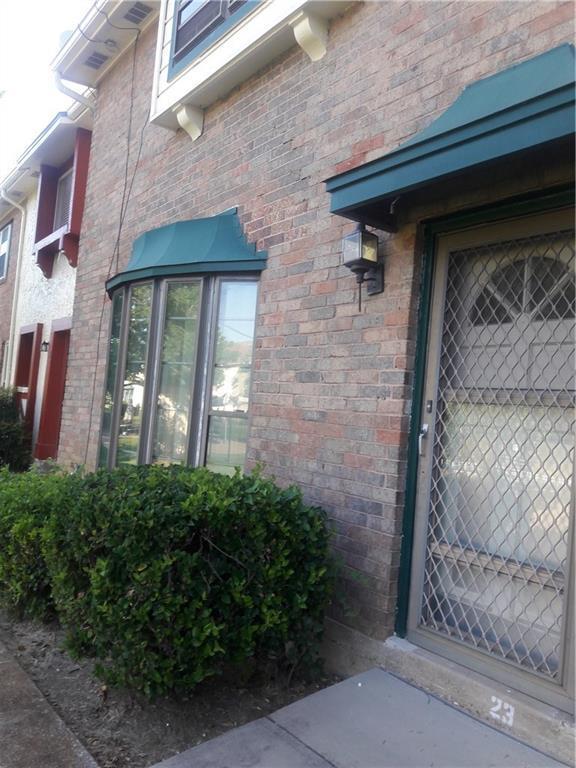 23 W Mountain Lane, Grand Prairie, TX 75052 (MLS #13902937) :: Team Hodnett