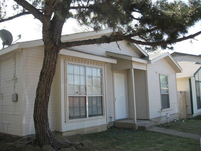 2034 Lewiston, Dallas, TX 75217 (MLS #13903254) :: The Real Estate Station