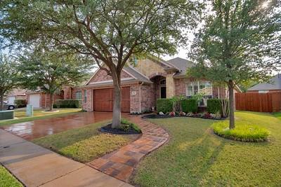 9037 Morning Meadow Drive, Fort Worth, TX 76244 (MLS #13904253) :: Team Hodnett
