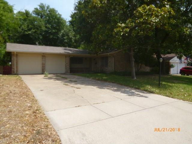 5725 Walla Avenue, Fort Worth, TX 76133 (MLS #13906085) :: Team Hodnett