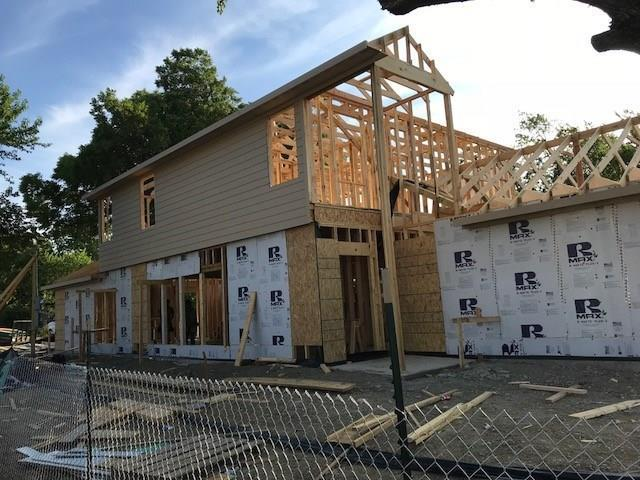 2038 Houston Street, Grand Prairie, TX 75050 (MLS #13910830) :: Robbins Real Estate Group