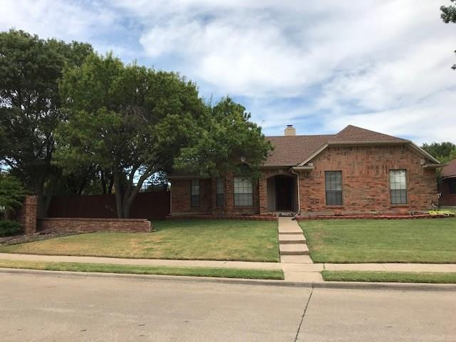 1301 Edelweiss Drive, Allen, TX 75002 (MLS #13912193) :: The Rhodes Team