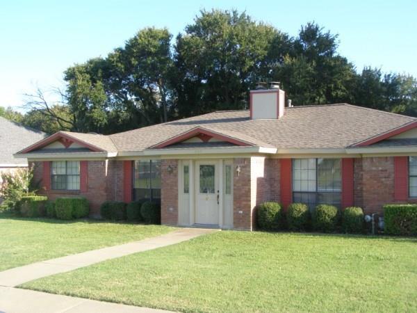 604 E Oak Street, Wylie, TX 75098 (MLS #13912404) :: Team Hodnett