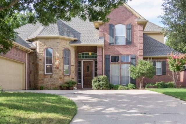 2211 Creek Crossing Drive, Corinth, TX 76210 (MLS #13912938) :: Kimberly Davis & Associates