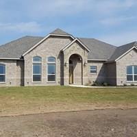 165 Lavender Lane, Springtown, TX 76082 (MLS #13914900) :: Team Hodnett