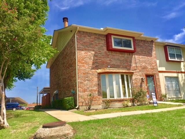 34 E Mountain Lane, Grand Prairie, TX 75052 (MLS #13915700) :: Hargrove Realty Group