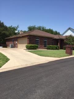 8671 Glen Hollow Drive, Fort Worth, TX 76179 (MLS #13916992) :: Team Hodnett